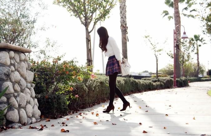 8584_Holiday_Plaid_Eyelash_Sweater