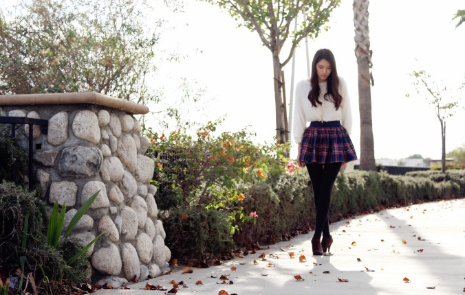 8585_Plaid_Skirt_White_Sweater