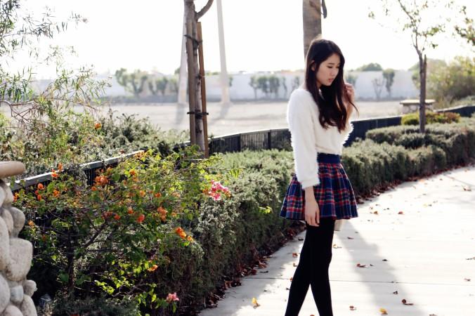 8589_White_Eyelash_Sweater_Plaid Skirt