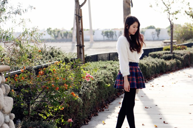 8589_White_Eyelash_Sweater_Plaid Skirt