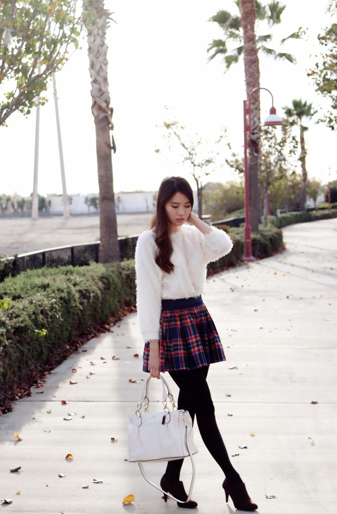 8604_Red_Plaid_Skirt
