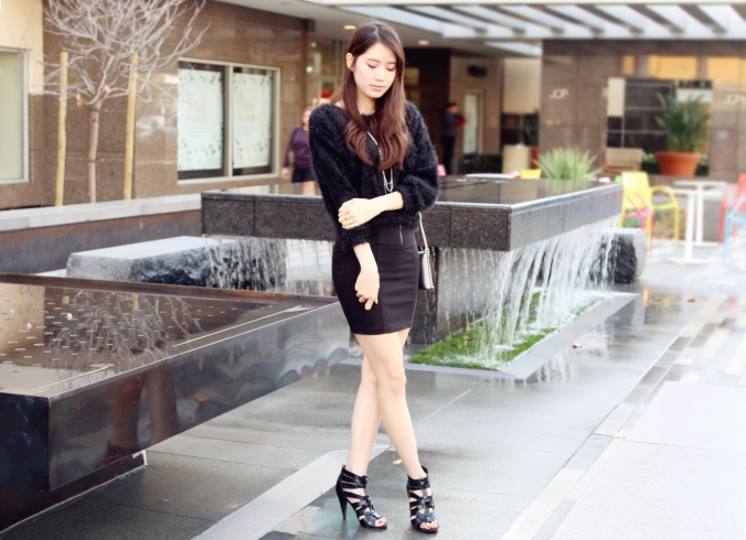 8639_Sophisticated_All_Black_New_Years_Outfit