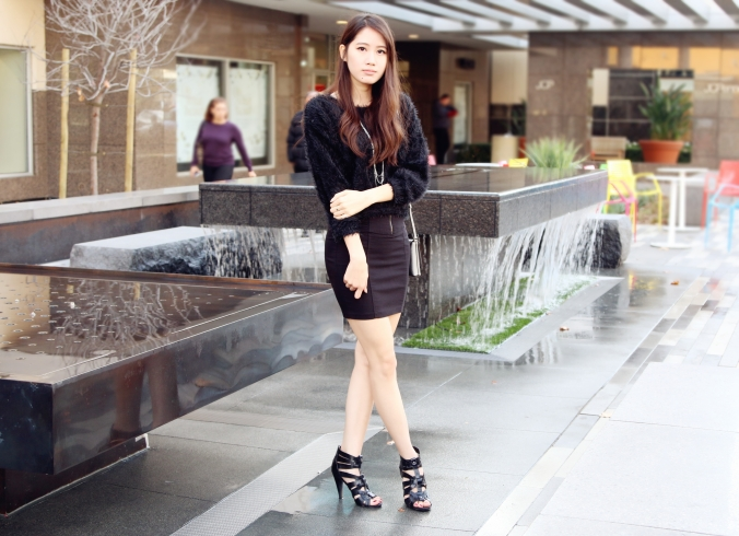 8641_Chic_All_Black_New_Years_Outfit
