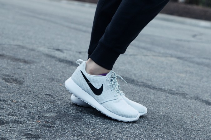 8737_Platinum_Nike_Roshe_One