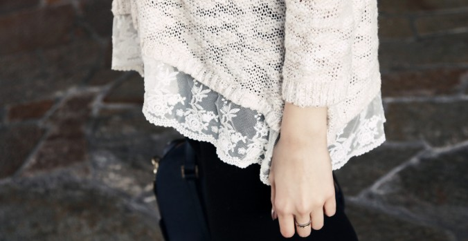 8866_Abercrombie_Lace_Trim_Sweater