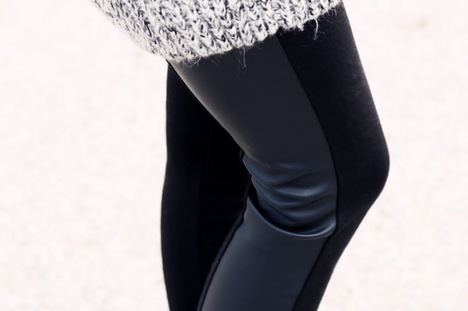 8923_Faux_Leather_Leggings