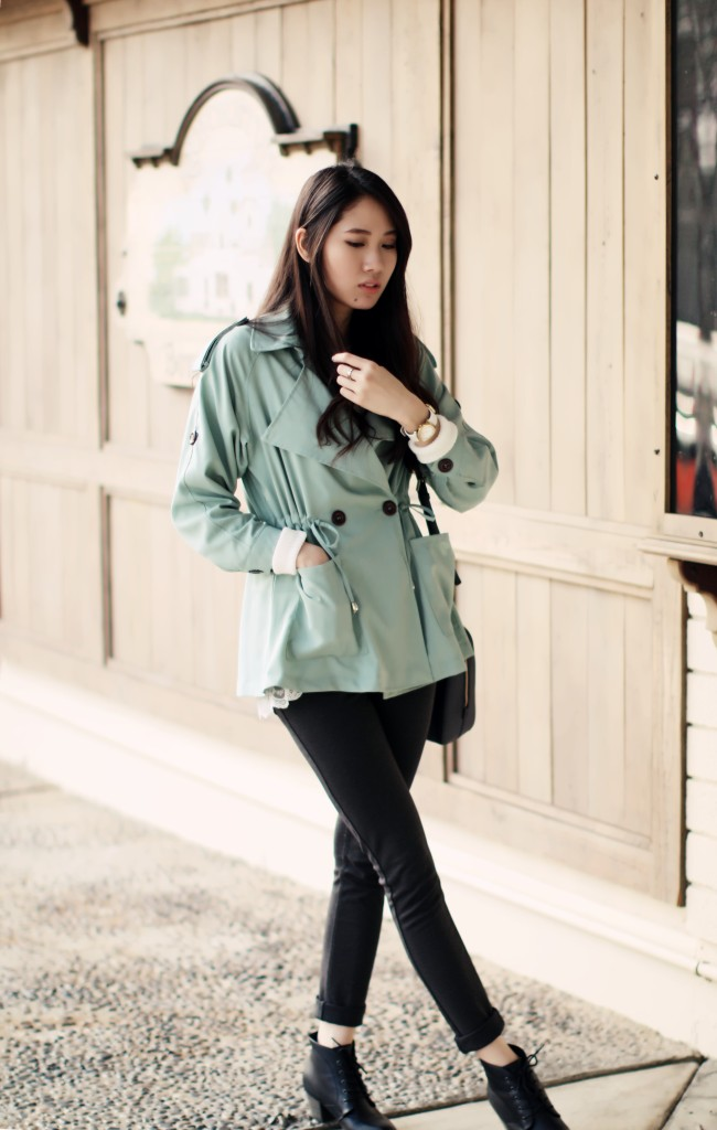 9008_Mint_Robin_Egg_Blue_Trench